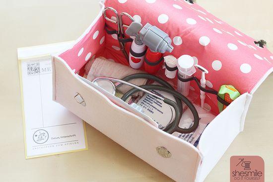 Produktfoto für Schnittmuster Arztkoffer aus Filz zum Spielen von shesmile
