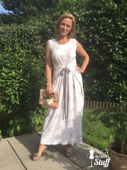 Schnittmuster BeeLove von BeeKiddi als e-book, DIN A0-Datei, Papierschnitt für Damen in Kategorie Kleid