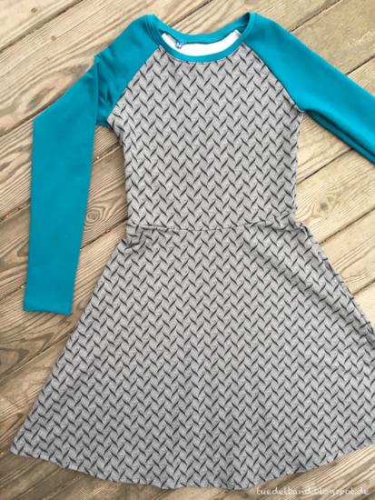 Produktfoto für Schnittmuster Raglanshirt/-kleid Mellie von pattydoo