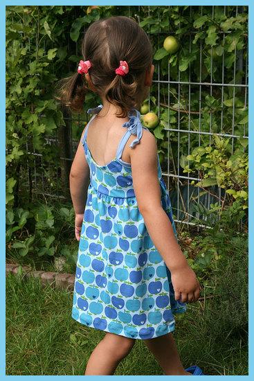 Foto zu Schnittmuster Lillesol basics No.45 Maxikleid von Lillesol & Pelle