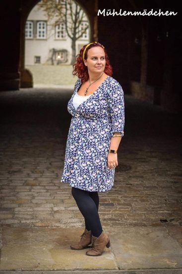 Produktfoto für Schnittmuster Mutti-Kleid von Annas Country