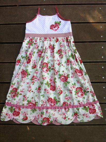 Foto zu Schnittmuster Hängerchen und Kleid Sarah von kleinerspatz
