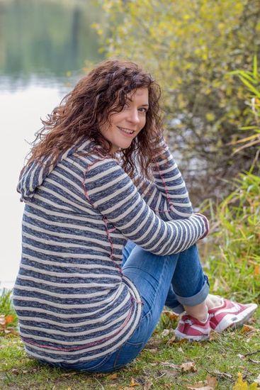 Schnittmuster Lady Pull*ee von NipNaps als e-book für Damen in Kategorie Oberteil