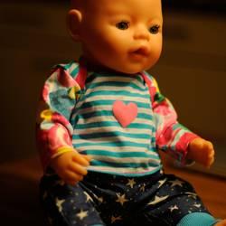 Foto zu Schnittmuster Puppen Shirt und Hose von Hummelhonig