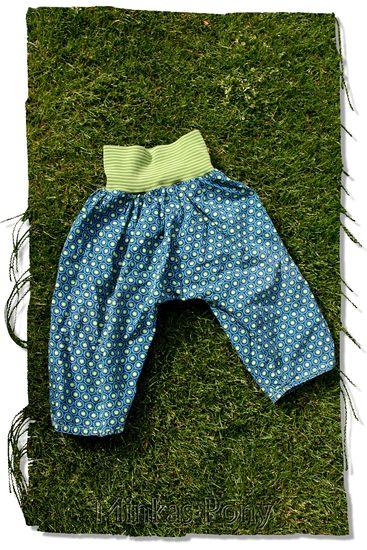 Produktfoto für Schnittmuster Haremshose Nadja von Laveya
