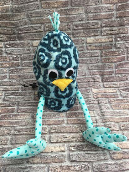 """Mit dieser Nähanleitung kannst Du gleich doppelte Freude schenken: Nähe einen österlichen Geschenkebeutel oder süße Eierwärmer für deinen Frühstückstisch. """"Drei im Ei"""" kannst Du in drei verschiedenen Designs nähen: Küken, Hase und Einhorn, die Du in zwei Größen nähen kannst. Das Ei lässt sich mit einem Tunnelzug schließen. So ist der versteckte Schatz gut geschützt. Die Eierwärmer werden ohne Tunnelzug genäht. Eine witzige Tischdeko nicht nur für den Ostertisch!  Große Geschenkebeutel• Statt"""