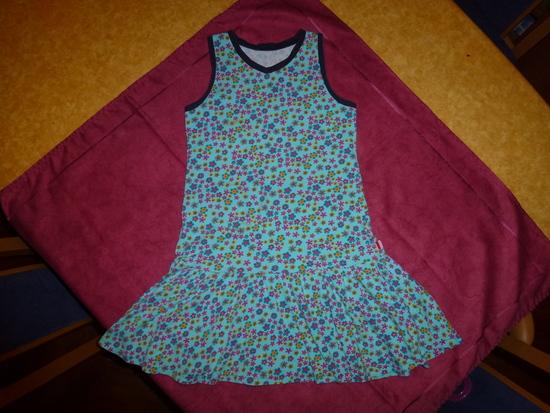 Foto zu Schnittmuster Lillesol basics No. 18 Kleid & Top von Lillesol & Pelle