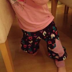 Foto zu Schnittmuster Babyhose von klimperklein