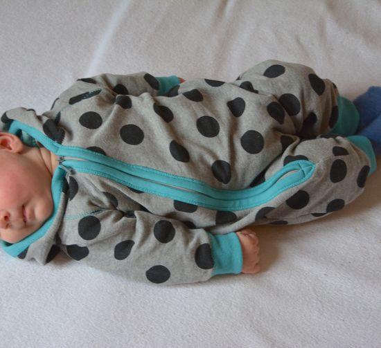 Schnittmuster #05 Jumpsuit von Ottobre Design als Papierschnitt für Babies in Kategorie Sonstiges (56–86)