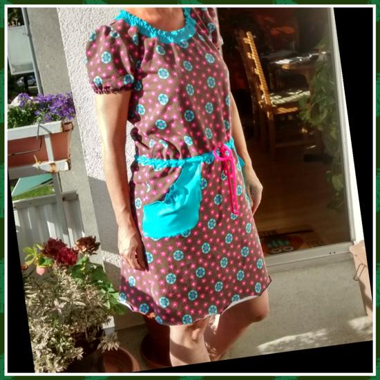 Foto zu Schnittmuster Shirt Kleid von Frau Schnitte