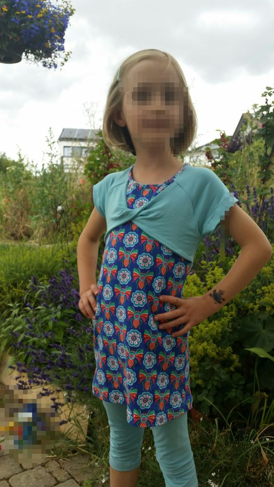 Foto zu Schnittmuster Lillesol basics No. 48 Knotenraglan Kleid & Shirt von Lillesol & Pelle