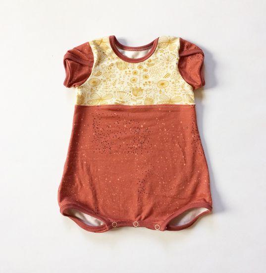 Schnittmuster #01 Embroidered Roses von Ottobre Design als Papierschnitt für Babies in Kategorie Sonstiges (62–86)