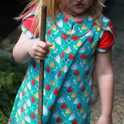 Foto zu Schnittmuster geteilt-durch-Kleid (& Tunika) von Erbsenprinzessin