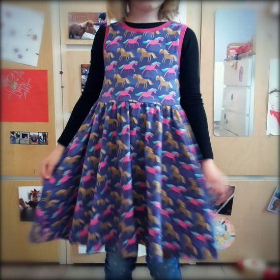 Foto zu Schnittmuster AnniNanni kleine Ballerina-Kleid von Anni Nanni