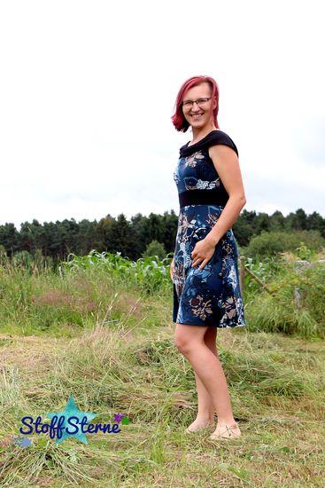 Produktfoto für Schnittmuster Miss Kapuzenkäfa Kleid von Käfachen