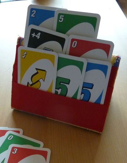 Foto zu Schnittmuster Spielkartenhalter von Simply January