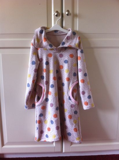 Foto zu Schnittmuster Lillesol basics No. 46 Winterkombi Kleid & Shirt von Lillesol & Pelle