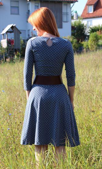 Produktfoto für Schnittmuster Basic Winterkleid für Damen von ki-ba-doo