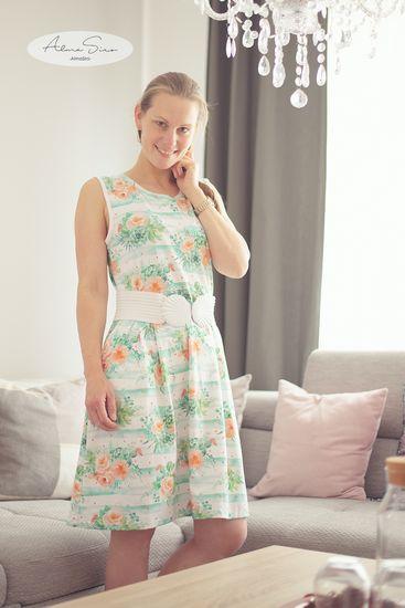 Produktfoto für Schnittmuster Retroliebe Jerseykleid von Nähkind