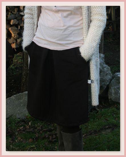 Produktfoto für Schnittmuster Hüftrock Frau Lilia von Hedi