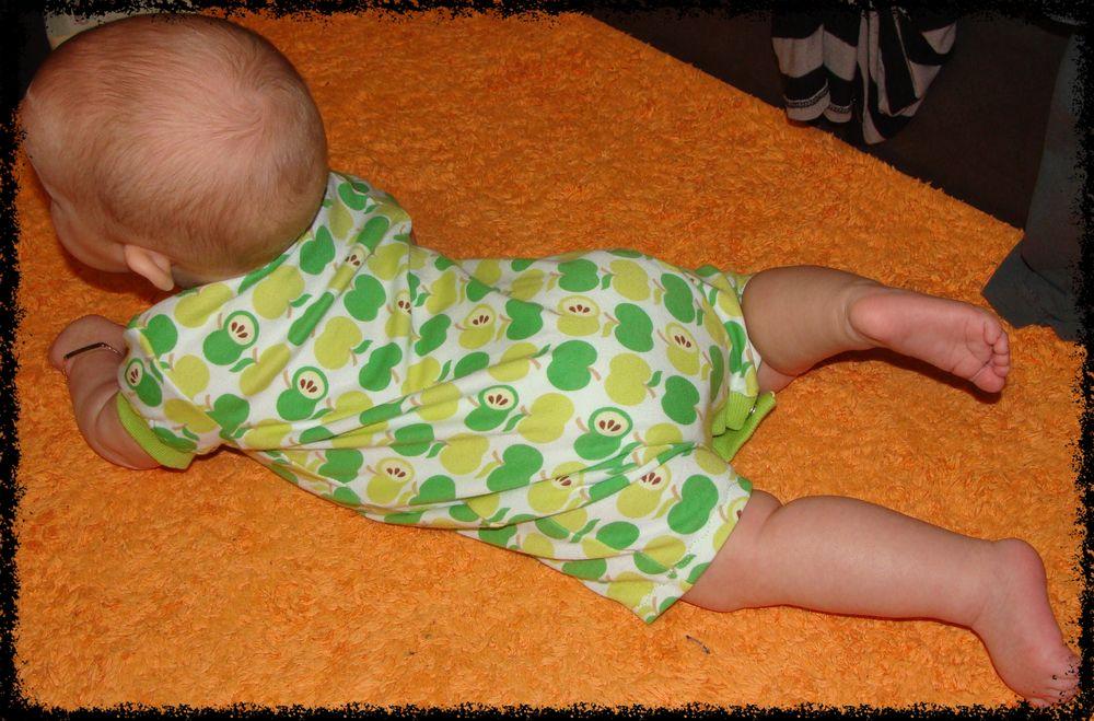 Foto zu Schnittmuster Baby Dress #25: Strampler von Betty-Baby